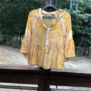 NY & Co flowy top yellow